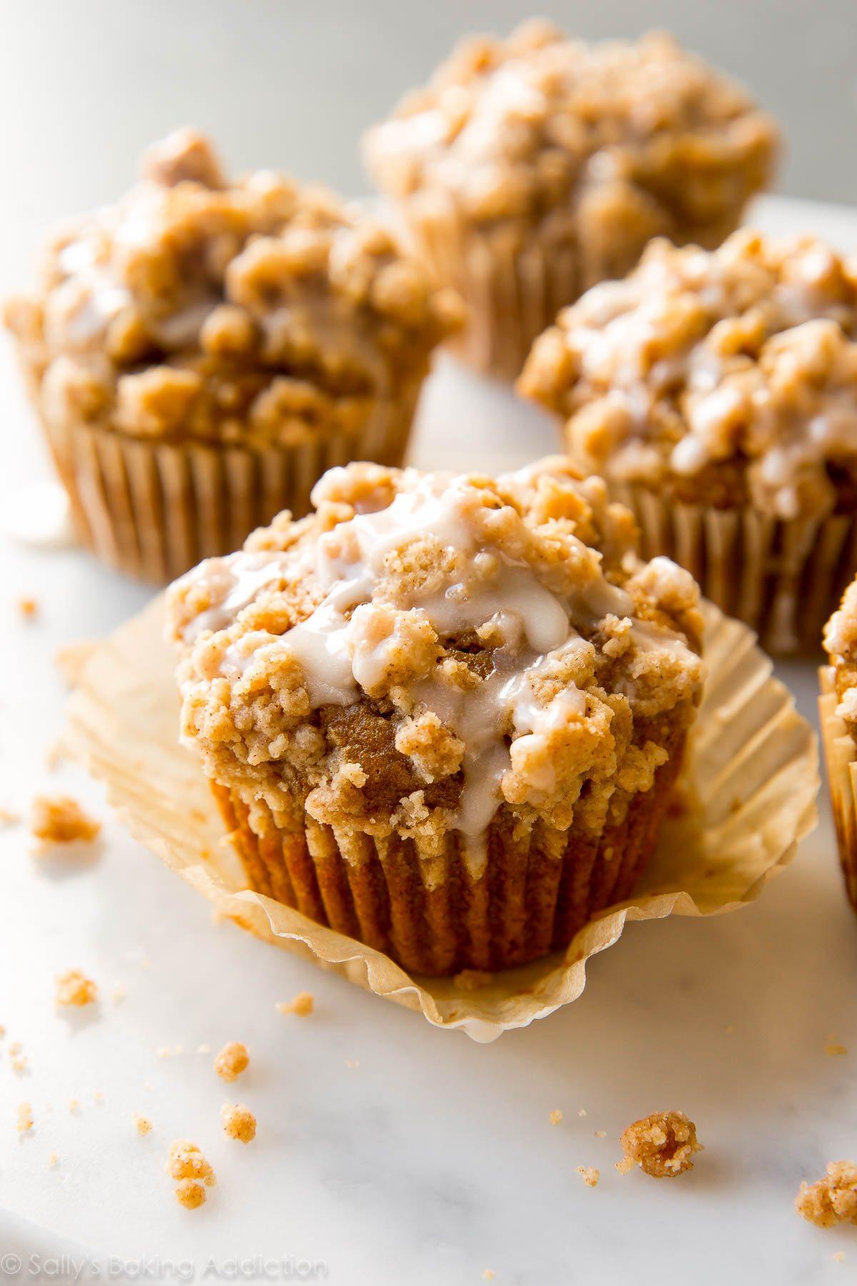 https://sallysbakingaddiction.com/2016/09/30/pumpkin-crumb-cake-muffins/