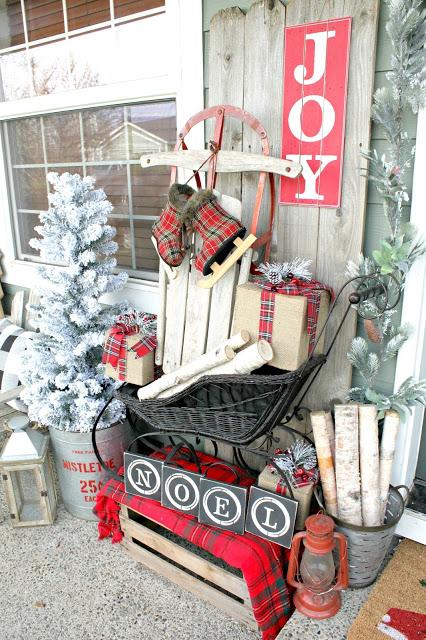https://nestingblissfullyinteriors.blogspot.com/2016/12/a-very-farmhouse-christmas-home-tour.html