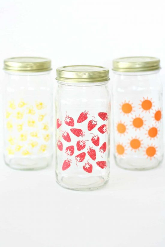 Summer Glass Jars are the perfect summer craft! You can use a glass jar for dressings or sauces, and decorating these jars with some seasonaldesigns makes them so cute to take to a party or picnic. They would also make a darling gift as a set!