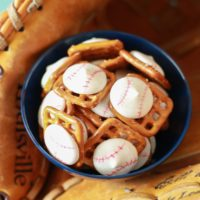 Baseball Pretzel Treats